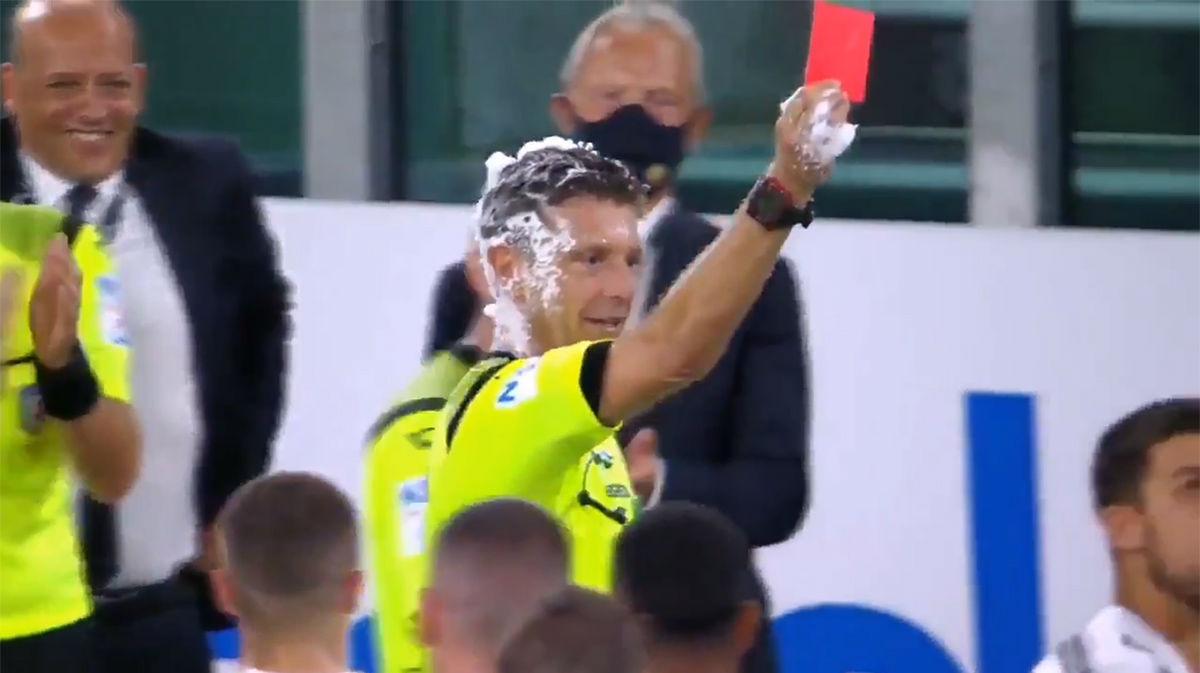 ¿Te imaginas esto ocurriendo en España? Así despidieron a un árbitro que se retiraba en Italia