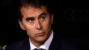 Julen Lopetegui en el banquillo del Santiago Bernabéu