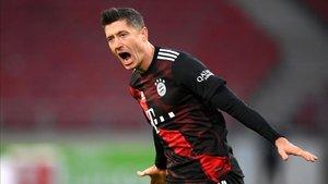 Lewandowski anotó el segundo gol para los bávaros.