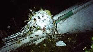 Por Twitter empiezan a circular imágenes de la aeronave accidentada