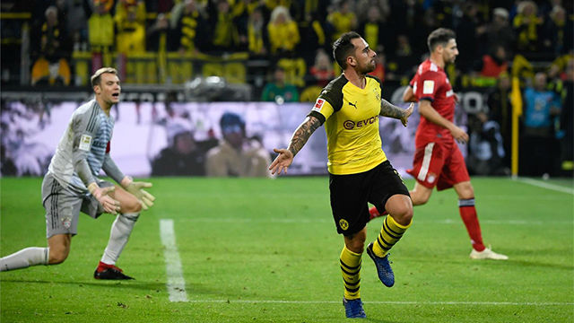 ¡Se puso nervioso! Espectacular definición de Alcácer en su gol al Bayern