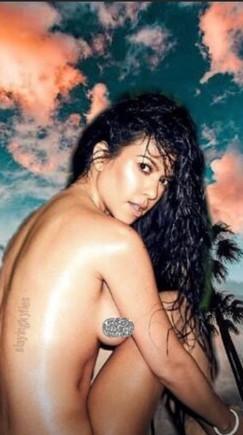 La última Foto Desnuda De Kourtney Kardashian Que Se Borrará En Unas H