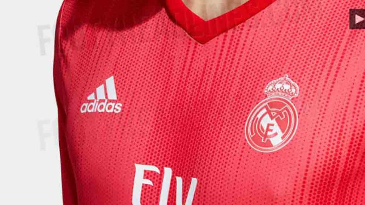 77352ba797c39 La tercera equipación del Real Madrid 2018   2019 llega con retraso
