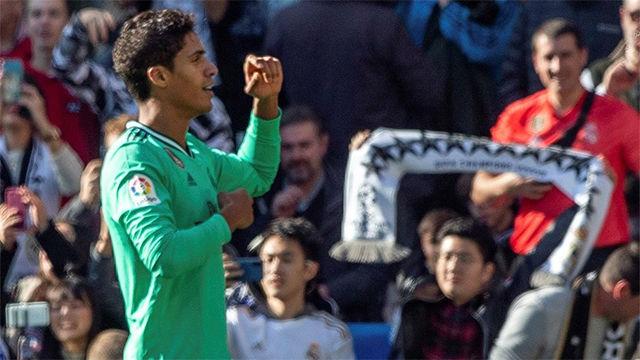 Varane adelanta al Madrid ante el Espanyol