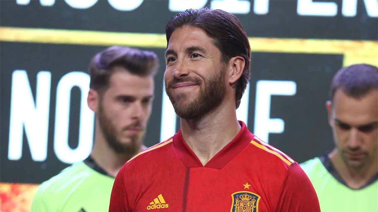 El Madrid y la Federación felicitan al 'capitán' Ramos