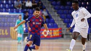 Adolfo levantó al Barça con sus cuatro goles ante O Parrulo
