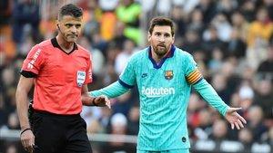 Gil Manzano regresa al Camp Nou