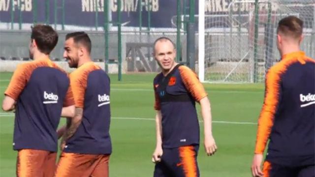 Iniesta, protagonista en el entrenamiento del FC Barcelona