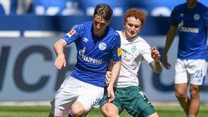 Juan Miranda fue titular este sábado contra el Werder Bremen