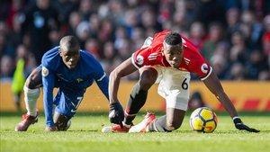 Kanté, en la misma posición que Pogba durante un Chelsea-Manchester United