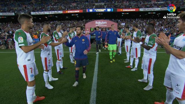 LALIGA | FC Barcelona - Alavés (3-0): El Alavés realizó un pasillo al FC Barcelona por la Supercopa de España