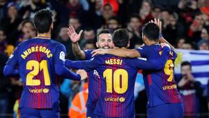 Los jugadores del Barça celebrab el tanto de Jordi Alba en el FC Barcelona - Celta de la Copa 2017/18 (5-0)