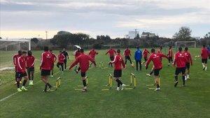 Los jugadores del REus siguen entrenándose pese a las dificultades que están viviendo