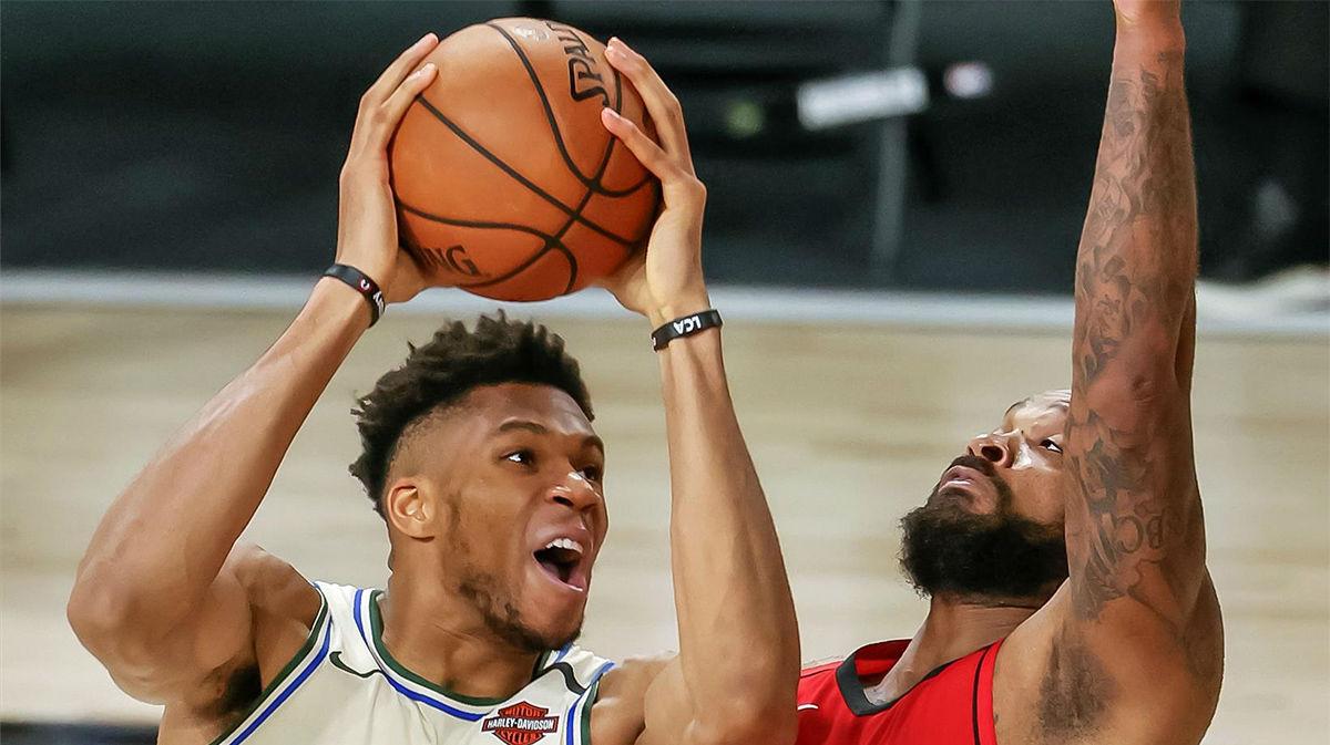 Los Rockets vencen a los Bucks