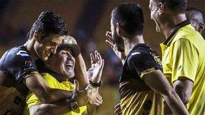 Maradona dirige a los Dorados