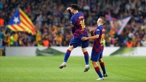 Messi celebra su segundo gol ante el Valladolid