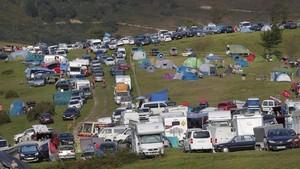 Miles de personas asistieron al final de etapa de lAngliru