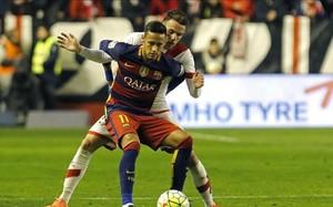 Neymar fue amonestado en Vallecas