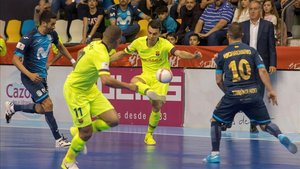 Sergio Lozano sentenció la semifinal con un gol a puerta vacía desde su pista