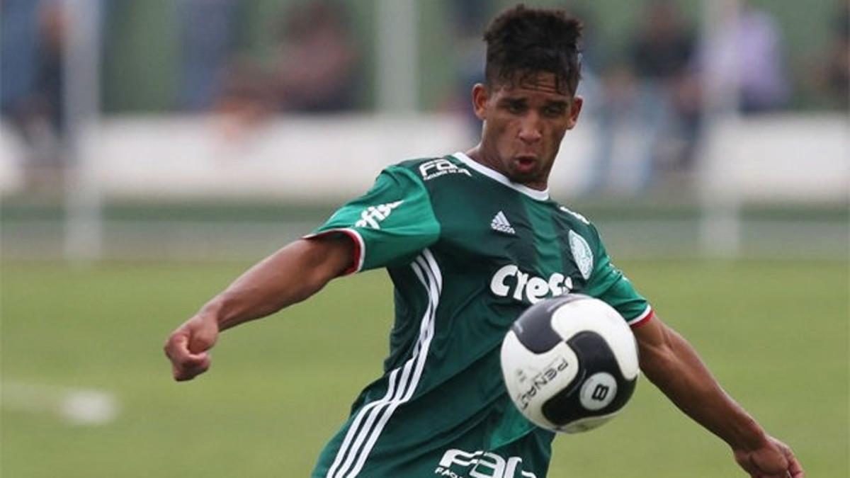 48149b798 Palmeiras give the green light to Vitinho's loan move to Barça