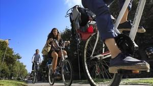 zentauroepp45104081 barcelona 19 09 2018 ciclistas bicicletas en el carril bici 180919182234