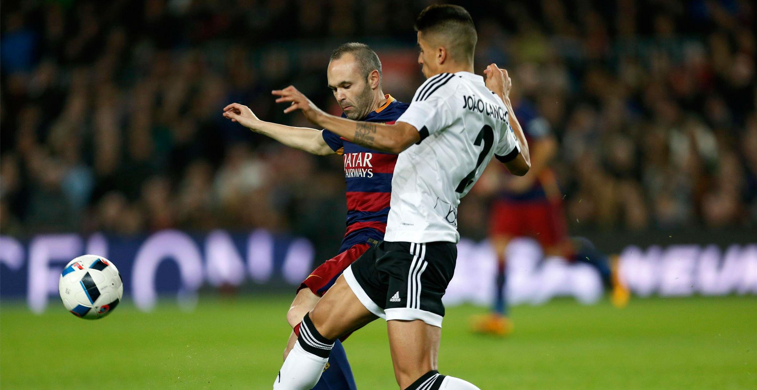 Así juega Joao Cancelo, el lateral que interesa al Barça