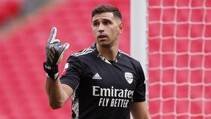 El Aston Villa ficha al portero del Arsenal Emiliano Martínez