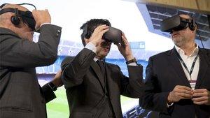 Bartomeu, con las gafas de realidad virtual