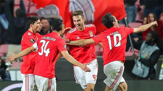 El Benfica remonta goleando