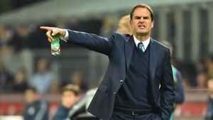 De Boer criticó con dureza su pasado en el Inter