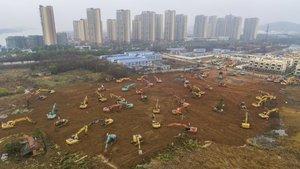 Foto aérea de la construcción del hospital de Wuhan