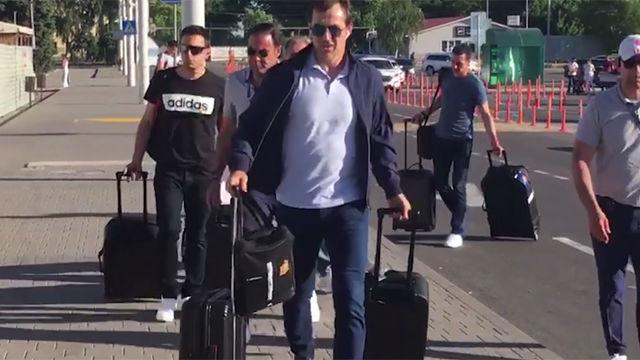 La llegada de Julen Lopetegui al aeropuerto de Krasnodar