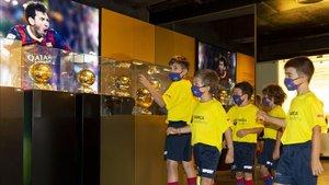 Los jugadores del Barça Academy SPORT en el santuario blaugrana