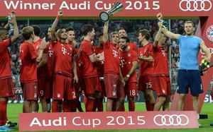 Los jugadores del Bayern celebrando el título de la Audi Cup