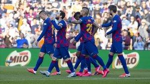 Messi celebra el 1-0 ante el Eibar con sus compañeros