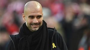 Pep Guardiola, con el lazo amarillo