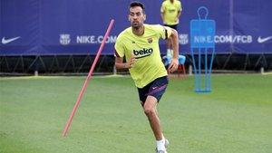 Sergio Busquets mejora de su lesión y ya vuelve a hacer trabajo de campo
