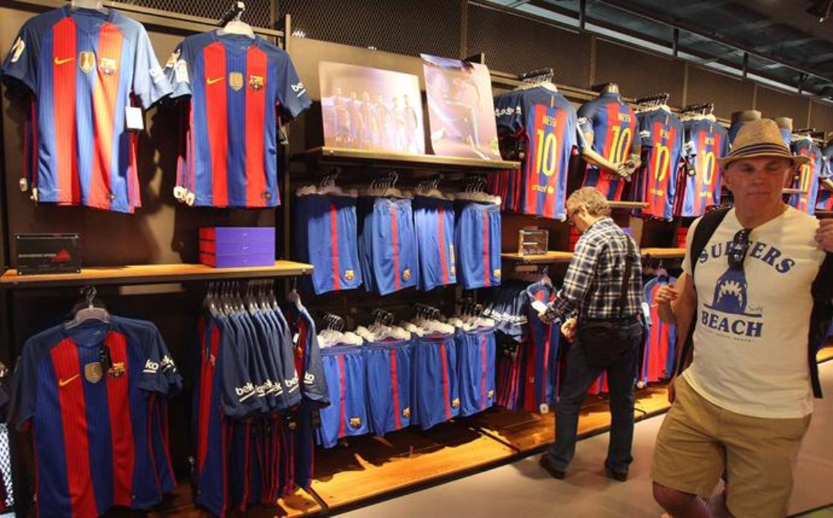 2a8287cd24de0 Camiseta del FC Barcelona 2016 17  los precios