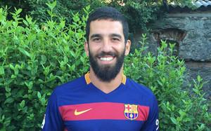 Arda Turan, con la camiseta del Barça