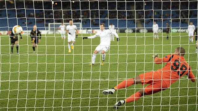 Fabian Frei anotó de penalti el único gol del Basilea al APOEL