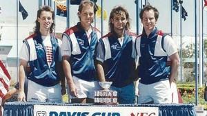 Flach, a la izquierda, junto a Seguso Agassi y McEnroe, ganadores de la Ensaladera en 1988