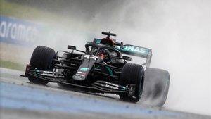 Hamilton se lleva una nueva pole position, la primera del año