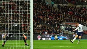 Jamie Vardy anotó el 1-0 para los Pross