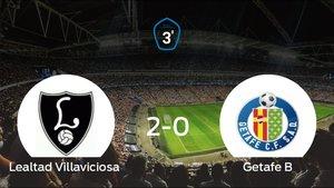 El Lealtad Villaviciosa se adelanta en el partido de ida y está más cerca del ascenso (2-0)