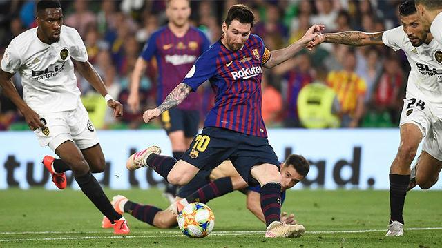 Messi recortó distancias tras un saque de esquina