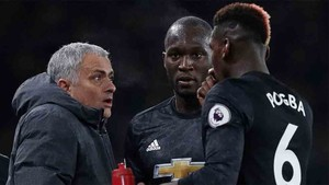 Mourinho le quitó la capitanía a Pogba