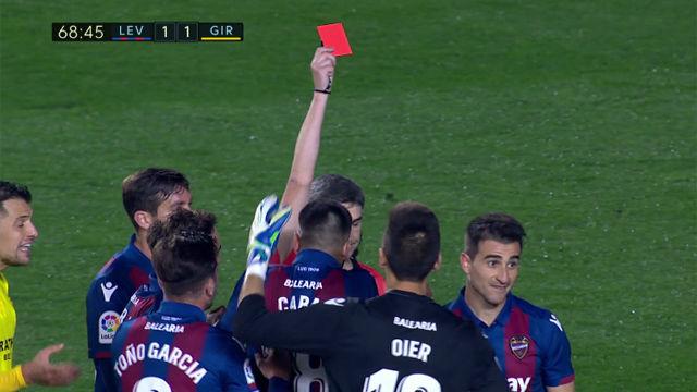 Postigo cometió penalti y fue expulsado ante el Girona