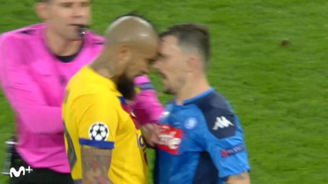 ¡Saltaron chispas! El tenso cara a cara entre Arturo Vidal y Mario Rui que acabó con el chileno expulsado