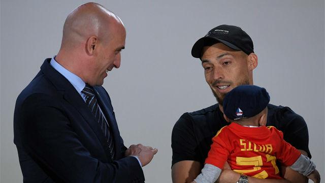 Silva, emocionado con el homenaje de la selección en Gran Canaria