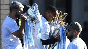 xortunomanchester city s english midfielder raheem sterli190520211201